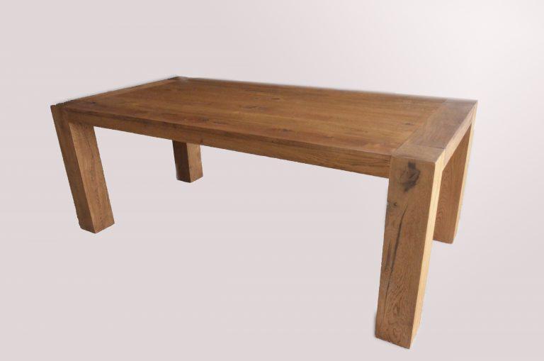 tavolo in rovere : massiccio fisso con gambe a vista